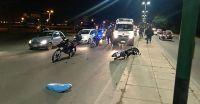Fuerte choque en Avenida Kennedy: una motociclista tuvo que ser asistida