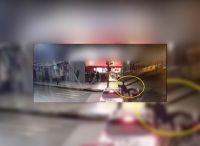|TERRIBLE VIDEO| Salteño cruzó con el semáforo en rojo y atropelló a un motociclista sin casco