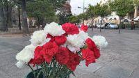 ¡Qué clavel! A cuánto se vende al ramo de flores para celebrar la novena del Señor y la Virgen del Milagro