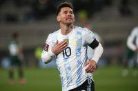 Con un triplete de Lionel Messi, Argentina goleó a Bolivia