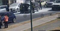 VIDEO | Un auto se incendió en plena Avenida Bicentenario: había una mujer en el interior