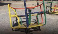 Imágenes que duelen: destrozaron los juegos infantiles de una plaza salteña