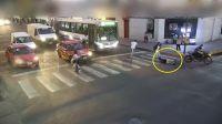 |TERRIBLE VIDEO| Motociclista embistió a un nenito salteño y lo estampó en el asfalto