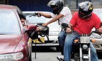 Inesperado desenlace para dos motochorros que robaron 2 mil dólares tras ser perseguidos por su víctima
