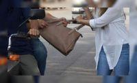 Violento robo a la directora de un colegio salteño: la arrastraron por la calle para sacarle la cartera