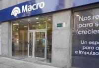 Furia contra el Banco Macro: a horas del fin de semana largo, no hay dinero en los cajeros