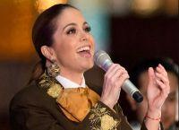 """Lucero agradece el éxito de """"Soy Tu Dueña"""""""