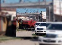 Familia salteña se llevó el peor susto: un camión de la municipalidad terminó adentro de su casa