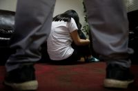 De terror: un cura junto a otro hombre se aprovecharon de la inocencia de una nenita y la violaron