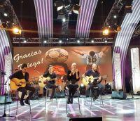 Valeria Lynch dio un show con su novio Mariano Martínez y su hija Tais