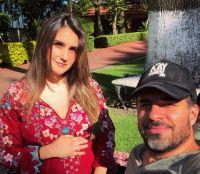 Esposo de Dulce María enseñó parte del rostro de su hija y la exRBD reaccionó