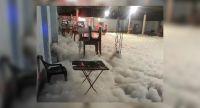 """No aprenden más: irresponsables armaron una """"fiesta de la espuma"""" en un reconocido bar salteño"""