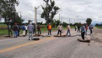 Tensión y nervios en el interior salteño: trabajadores desocupados cortan la Ruta 34