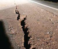 Terrible video: así se ve la grieta de 1.000 metros de largo que dejó el terremoto en San Juan