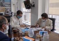 Sáenz firmó convenios para garantizar el agua potable en Santa Victoria Este