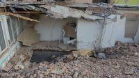 Demolieron un salón ilegal de artesanías en el Dique Cabra Corral