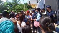 |VIDEO| Descontrol y caos en Tartagal: wichis desesperados en la entrega de las donaciones
