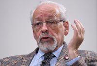 ¿Acomodo? Verbitsky admitió que recibió la Sputnik V por ser amigo de Ginés González García