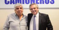Hugo Moyano, su esposa y su hijo también habrían recibido la vacuna Sputnik V