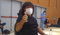 """La Mona Jiménez se vacunó contra el Covid: """"Vengo como un ciudadano más. No soy VIP"""""""