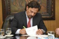Gustavo Sáenz anunció que contratados del área salud de la Administración Pública cobrarán un bono