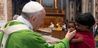 El Papa Francisco espera la muerte en Roma y descarta regresar a la Argentina