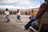 Bettina Romero visitó la Escuela de Artes y Oficios