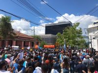 Formosa en Fase 1: represión y violencia contra miles de personas que marchan contra el gobernador Insfrán