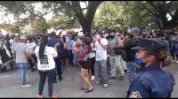 |URGENTE| Se picó en el CCM: por una fuerte protesta, todos los empleados públicos quedaron encerrados