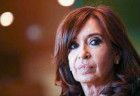 Cristina Fernández anunció su renuncia al sueldo que percibe por su cargo de Vicepresidenta