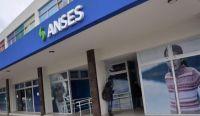 Siguen los pagos de ANSES: aumentos, montos extras y se viene el bono de $15.000 ¿quiénes cobran hoy?