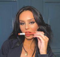 Juanita Tinelli presumió su nuevo look con un atrevido atuendo y el parecido a su hermana Cande sorprendió