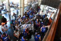 Ataque a la libertad de prensa: manifestantes de la CTA agredieron a trabajadores del diario Río Negro