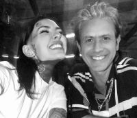 Cande Tinelli y Coti más enamorados que nunca disfrutan de sus días en España