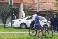 |URGENTE| Un auto y una moto protagonizaron un violento accidente en plena avenida