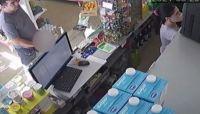 Degenerado entró a un kiosco y se masturbó frente a la empleada