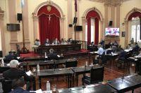 Vacunación contra el COVID-19: Senadores aprobaron un proyecto de ley que busca priorizar a los más vulnerables