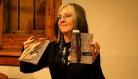 """Laura Calvo: """"Inspirar y expirar: en ese ritmo escribo"""""""
