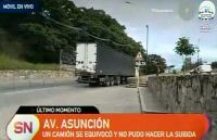 Otra vez un camión atascado, esta vez fue en el Portezuelo