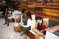 ¡En qué cabeza cabe! Conocido karaoke - bar de Salta trabaja clandestinamente durante toda la madrugada