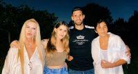 Mica Tinelli y su familia. Fuente (Instagram)