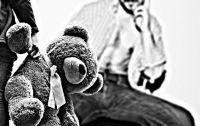 Obrero alardeaba frente a sus compañeros sobre cómo abusaba de su hijastra con retraso madurativo