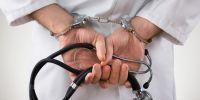 Médico chanta la debía operar de un ojo pero le erró feo y se justificó con una insólita excusa
