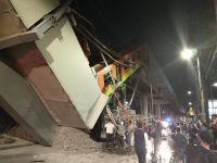 Terror y tragedia: se desplomó el puente de un tren y murieron más de 20 personas