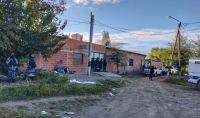 Detuvieron a una pareja que vendía droga en Villa Los Sauces