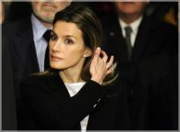 La Reina Letizia ya no puede ocultar las imágenes del romance secreto en su juventud