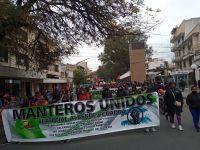 """ VIDEO  Manteros coparon las calles de Salta: """"Destruyen a los humildes"""""""
