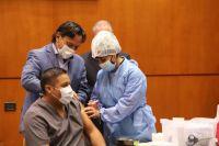 Gustavo Sáenz supervisa las negociaciones con laboratorios para la adquisición de vacunas contra el COVID-19