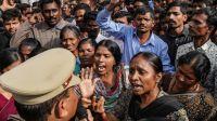 Violación en manada: un grupo de depravados se valió del hambre de una mujer para someterla