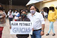 Gustavo Sáenz inauguró un nuevo acueducto y llevó el agua potable a una localidad del interior